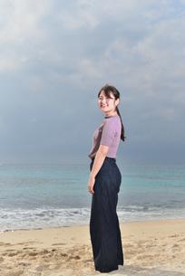 宮古島/リフレッシュ休暇の女性の写真素材 [FYI01241494]