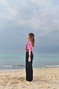 宮古島/リフレッシュ休暇の女性の写真素材 [FYI01241502]