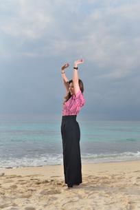 宮古島/リフレッシュ休暇の女性の写真素材 [FYI01241505]