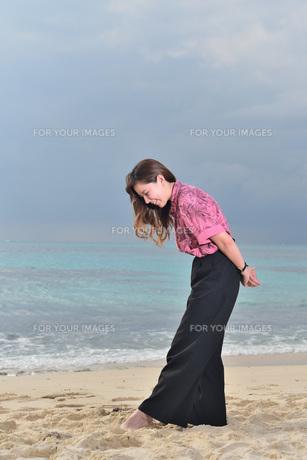 宮古島/リフレッシュ休暇の女性の写真素材 [FYI01241510]