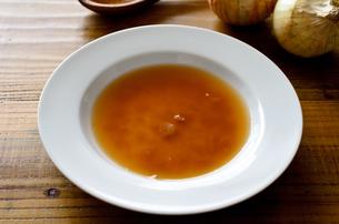 オニオンスープの写真素材 [FYI01241537]