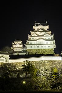 夜の姫路城の写真素材 [FYI01241653]