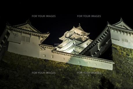 夜の姫路城の写真素材 [FYI01241657]