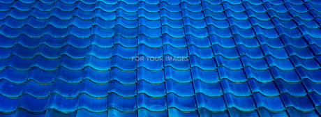 ブルーの屋根瓦の写真素材 [FYI01241937]