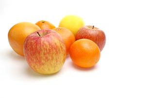リンゴ,オレンジとグレープフルーツの写真素材 [FYI01241979]