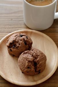 チョコレートスコーンの写真素材 [FYI01242044]
