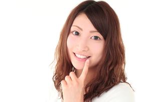 白い歯の女性の写真素材 [FYI01242251]