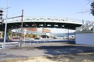円形の歩道橋の写真素材 [FYI01242345]