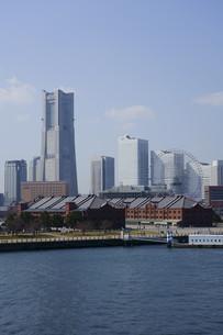 2大さん橋から見たみなとみらい2の写真素材 [FYI01242351]