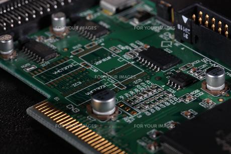 電子回路の写真素材 [FYI01242384]