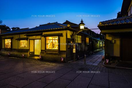 京都石塀小路の写真素材 [FYI01242699]