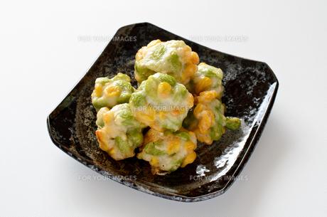 枝豆とトウモロコシの薩摩揚げの写真素材 [FYI01243092]