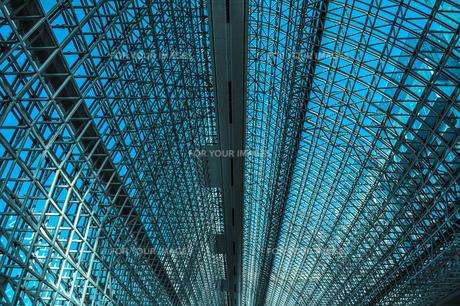京都駅のアトリウムの天井の写真素材 [FYI01243107]