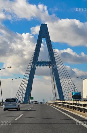 アルファベットのAの形の鉄橋の写真素材 [FYI01243119]