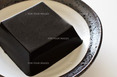 黒ごま豆腐の写真素材 [FYI01243463]