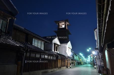 夜の川越の写真素材 [FYI01243575]