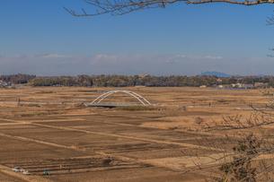 冬の寺崎城あとからみた風景の写真素材 [FYI01243893]