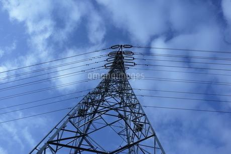 鉄塔と空の写真素材 [FYI01244429]