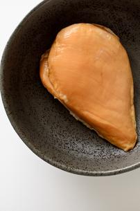 サラダチキン スモークの写真素材 [FYI01244585]