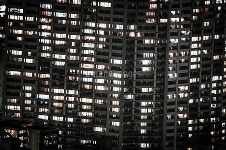 横浜の夜景と住宅地の写真素材 [FYI01244680]