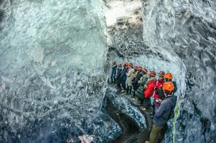 アイスランド・氷の洞窟(ヴァトナヨークトル)の写真素材 [FYI01244756]