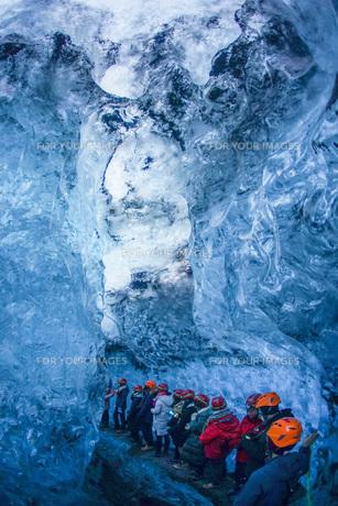 アイスランド・氷の洞窟(ヴァトナヨークトル)の写真素材 [FYI01244757]