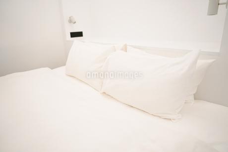 ホテルのベットのイメージの写真素材 [FYI01244876]