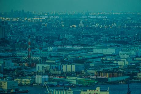 横浜ランドマークタワーから東京方面の風景の写真素材 [FYI01245067]