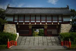 伏見桃山城大手門の写真素材 [FYI01245128]