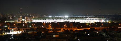 夜の味の素スタジアムの写真素材 [FYI01245310]