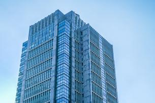 東京丸の内のビジネス街・オフィスビルのイメージの写真素材 [FYI01245436]