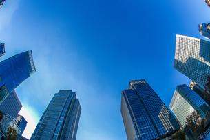 東京丸の内のビジネス街・オフィスビルのイメージの写真素材 [FYI01245447]