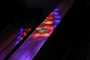 ステンドグラスから透けた光の写真素材 [FYI01245571]