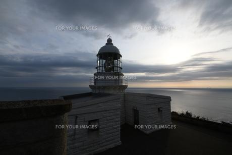 経ヶ崎灯台 雲の写真素材 [FYI01246351]