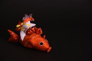 兜 男の子 鯉 人形の写真素材 [FYI01246414]