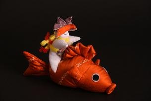 兜 男の子 鯉 人形の写真素材 [FYI01246415]