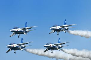 アクロバット飛行の写真素材 [FYI01246612]