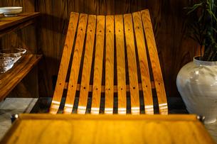 おしゃれな椅子のイメージの写真素材 [FYI01246672]