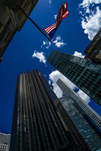 トランプタワーと星条旗の写真素材 [FYI01247074]
