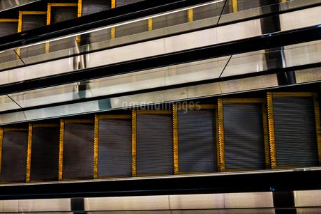 エスカレーターのイメージの写真素材 [FYI01247118]