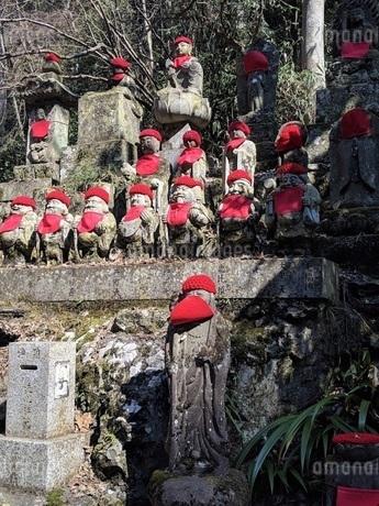 高尾山のお地蔵さんの写真素材 [FYI01247233]
