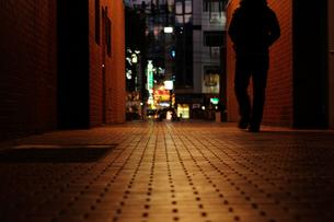 夜の歓楽街の写真素材 [FYI01247398]