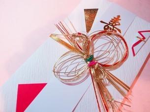 ご祝儀袋 ご結婚祝いの写真素材 [FYI01247527]