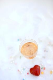 ピンクシャンパンの写真素材 [FYI01247823]