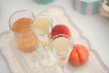 ピーチな炭酸・桃のシャンパンの写真素材 [FYI01247855]