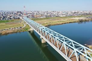 江戸川に架かる鉄橋の写真素材 [FYI01247992]