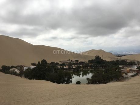 ペルー ワカチナ湖2の写真素材 [FYI01248504]