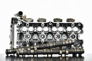 バイクエンジンのシリンダーヘッドの写真素材 [FYI01248505]