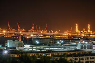 港の見える丘公園から見える工業地帯の写真素材 [FYI01248540]