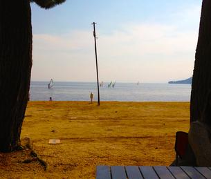 湖岸のキャンプ場からの写真素材の写真素材 [FYI01249313]